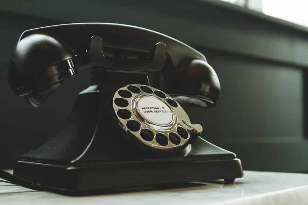 Four Top Tips For Salespeople To Turn Emails Into Phone Discussions featured image
