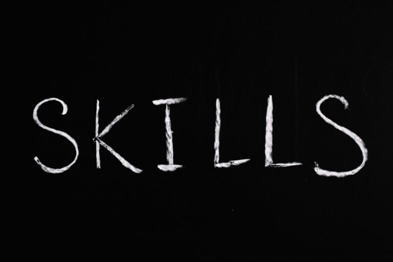How to Add and Remove Skills from your LinkedIn featured image